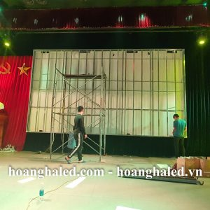 man_hinh_led_p2.5_trong_nha_tai_thep_viet_duc_3