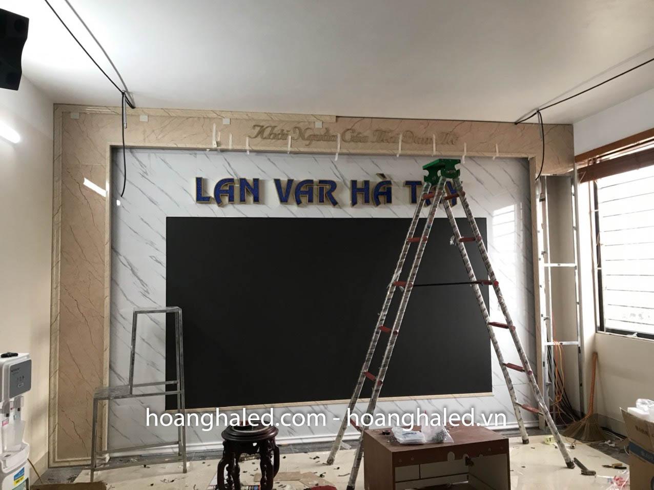 man_hinh_led_p2_trong_nha_tai_lan_var_ha_tay_1