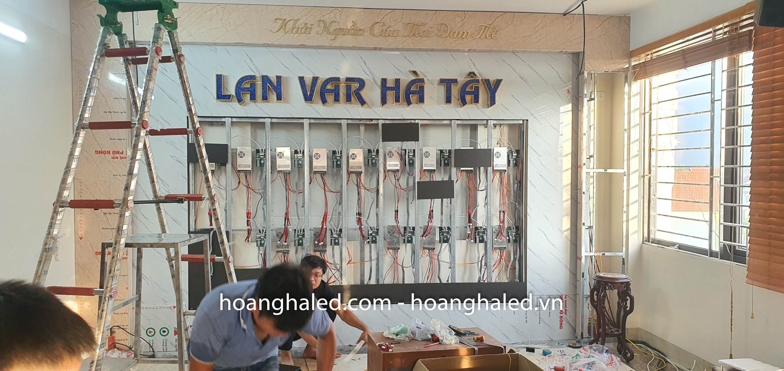 man_hinh_led_p2_trong_nha_tai_lan_var_ha_tay_2