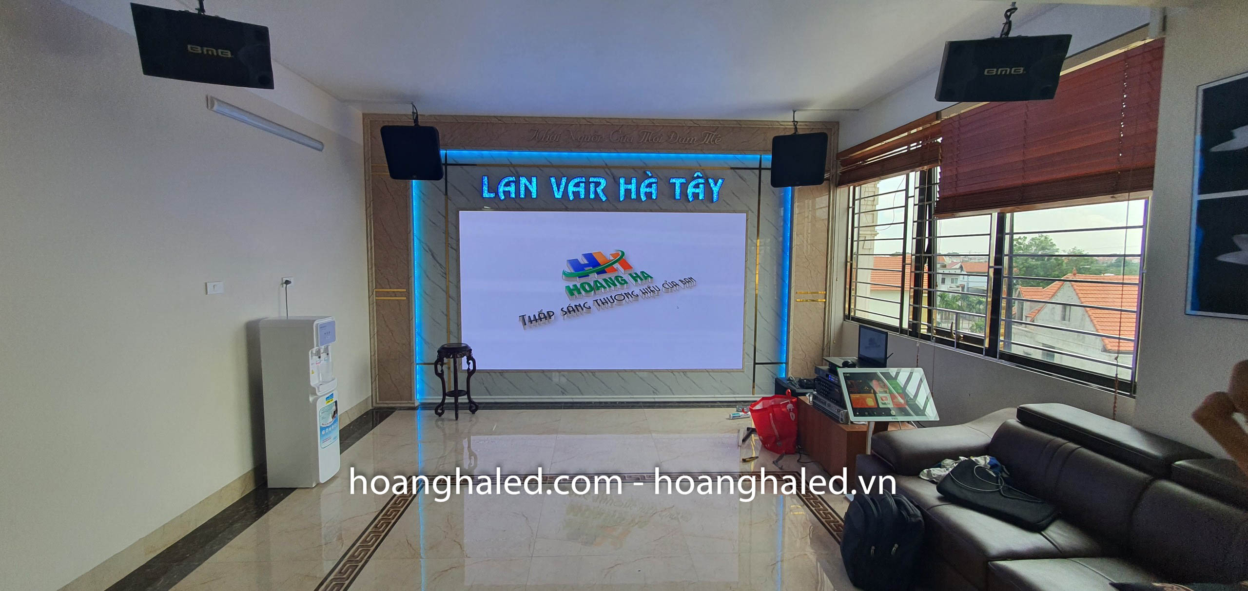 man_hinh_led_p2_trong_nha_tai_lan_var_ha_tay_4