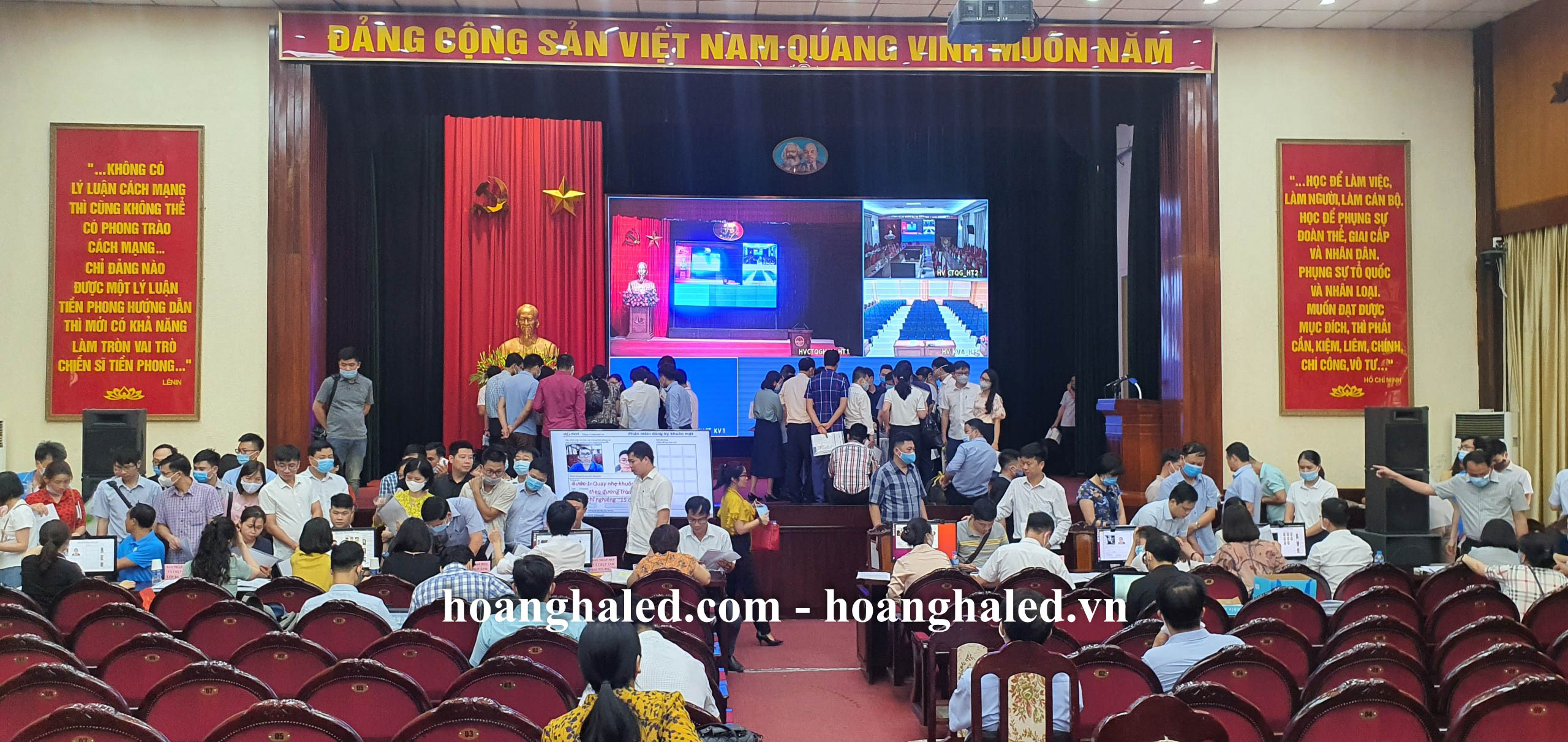 man_hinh_led_p3_trong_nha_tai_hoc_vien_chinh_tri_khu_vuc_i_1