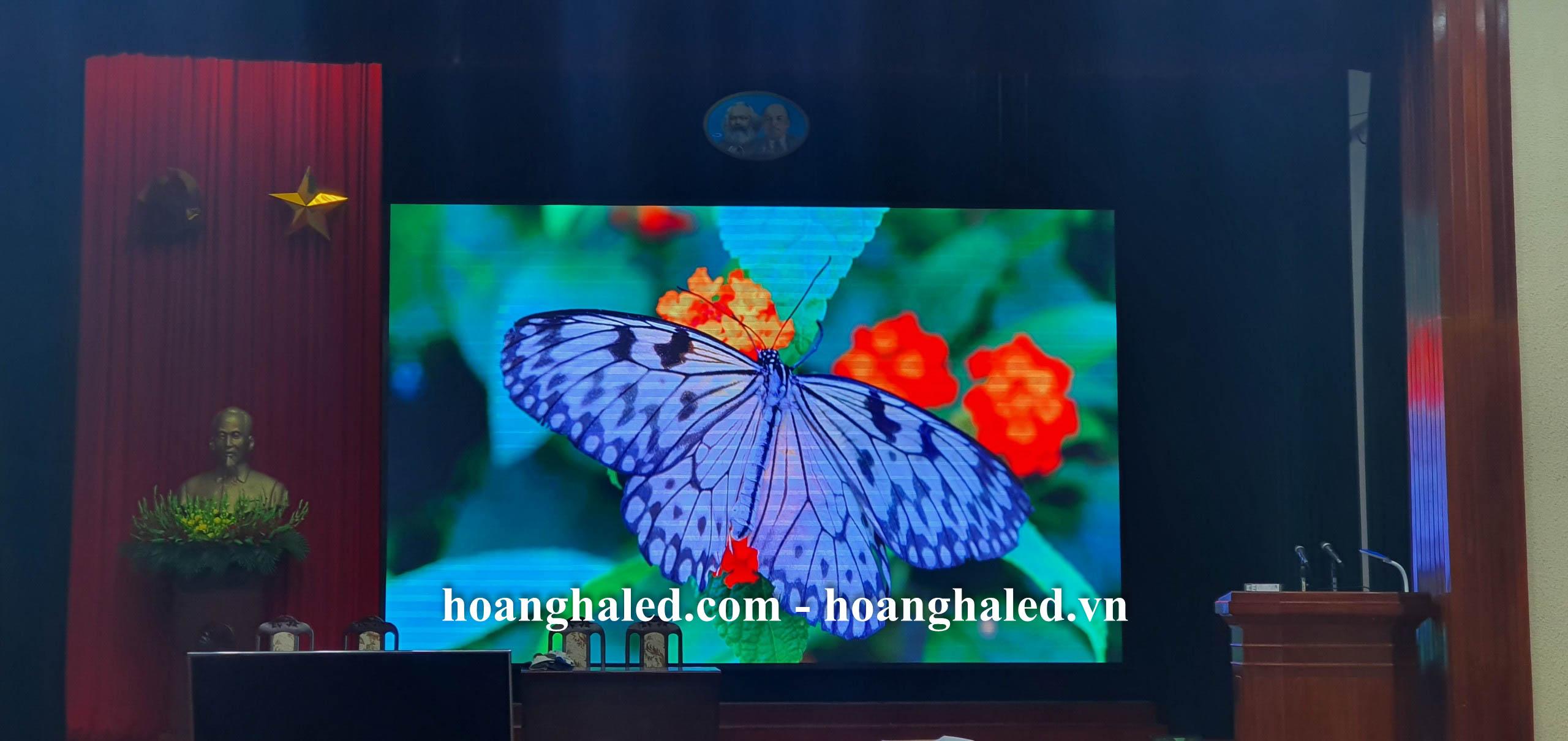 man_hinh_led_p3_trong_nha_tai_hoc_vien_chinh_tri_khu_vuc_i_7