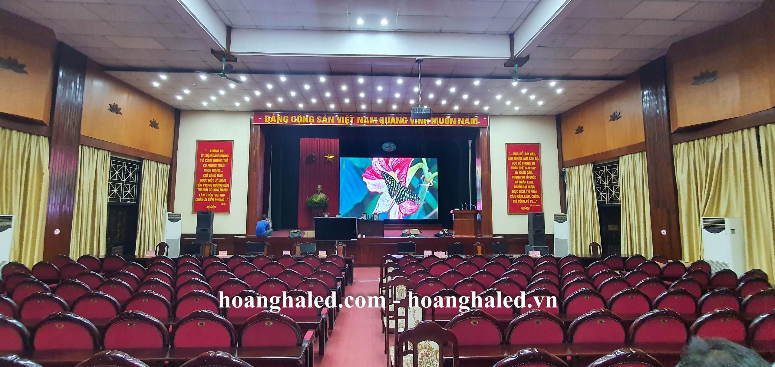 man_hinh_led_p3_trong_nha_tai_hoc_vien_chinh_tri_khu_vuc_i_8