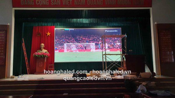 man_hinh_led_p3_trong_nha_tai_truong_quan_su1