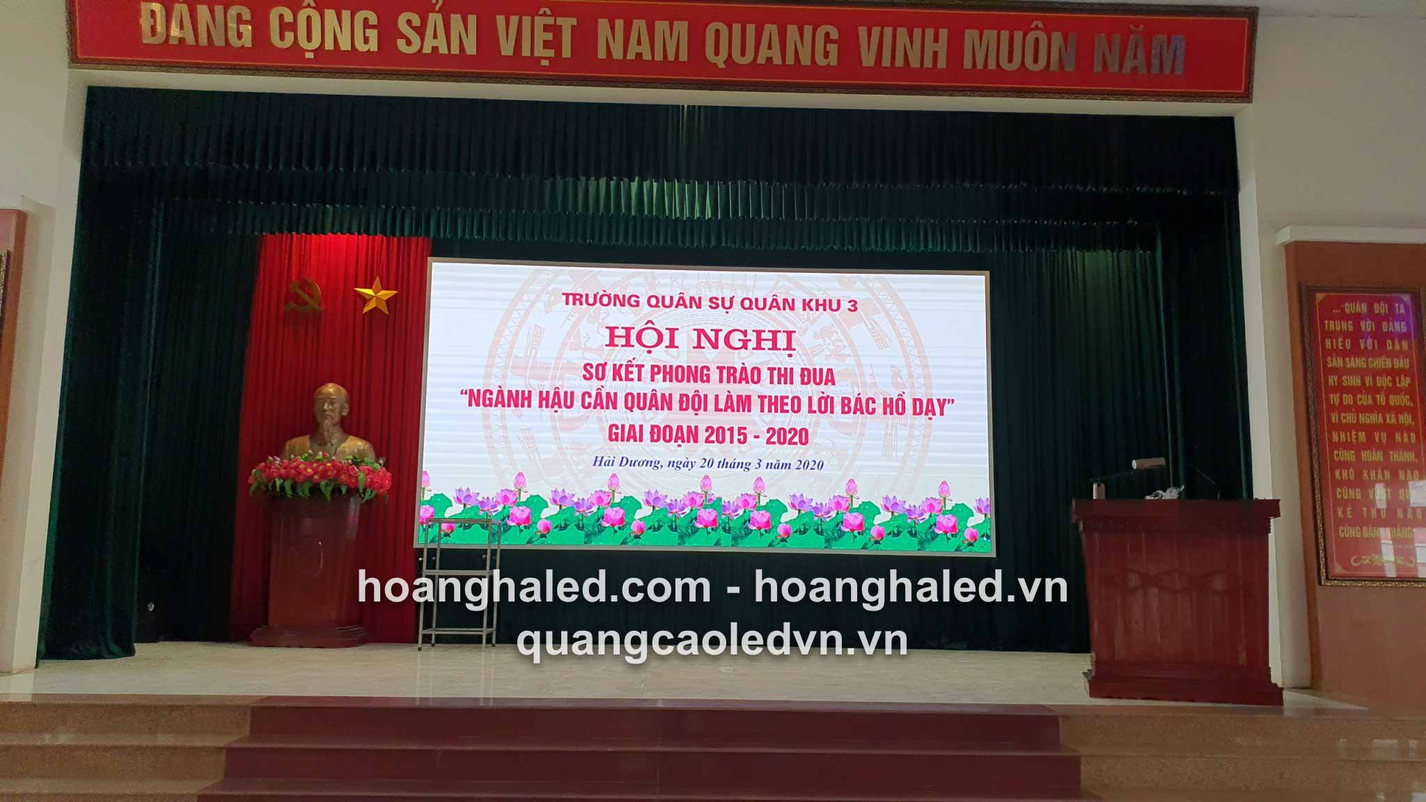man_hinh_led_p3_trong_nha_tai_truong_quan_su2