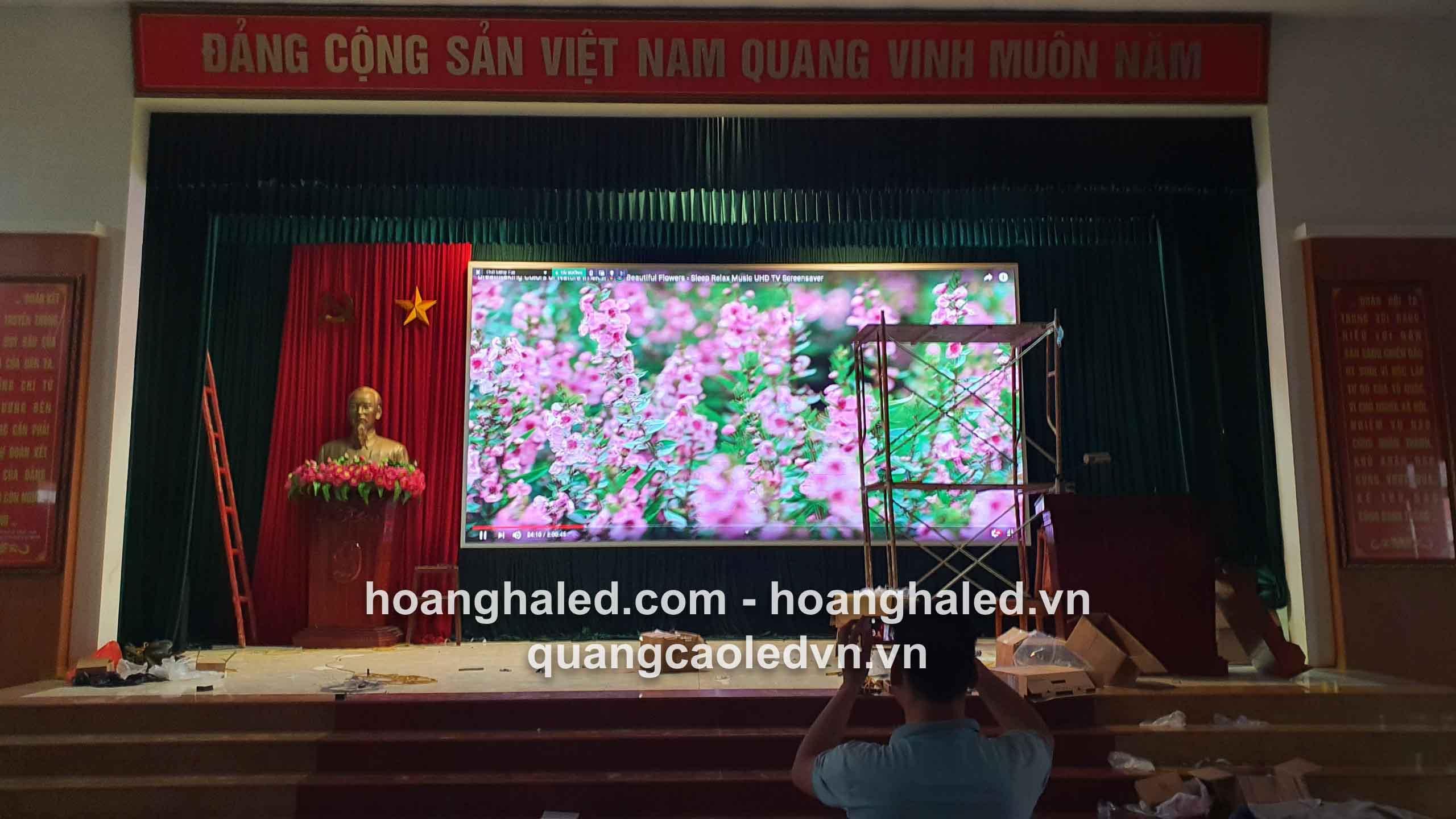 man_hinh_led_p3_trong_nha_tai_truong_quan_su3