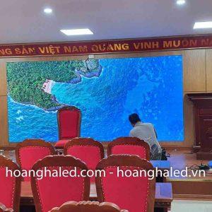 thi_cong_man_hinh_led_p2.5_trong_nha_tai_cong_an_quan_long_bien_1