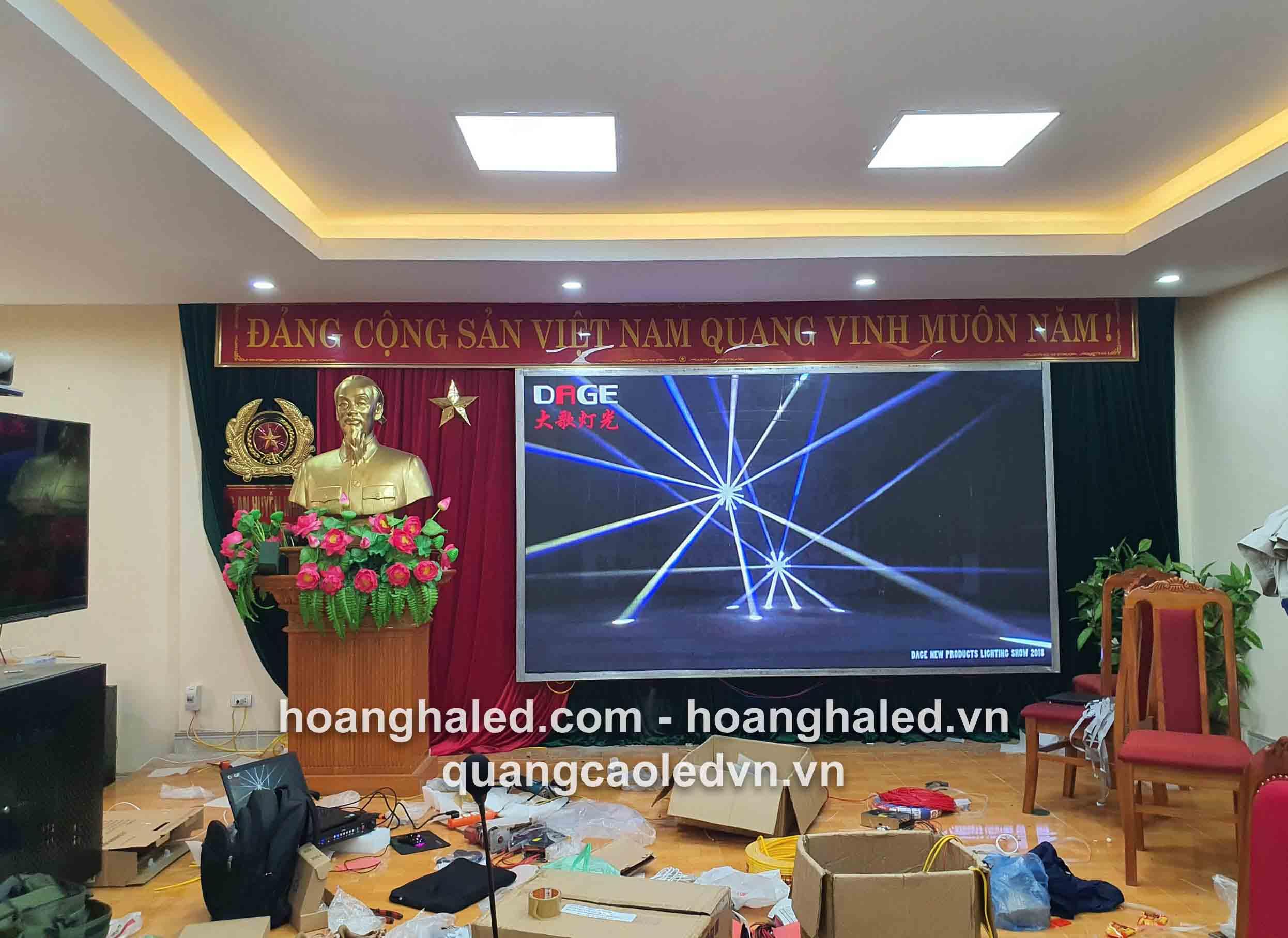 thi_cong_man_hinh_led_p3_tai_cong_an_muong_la_son_la2