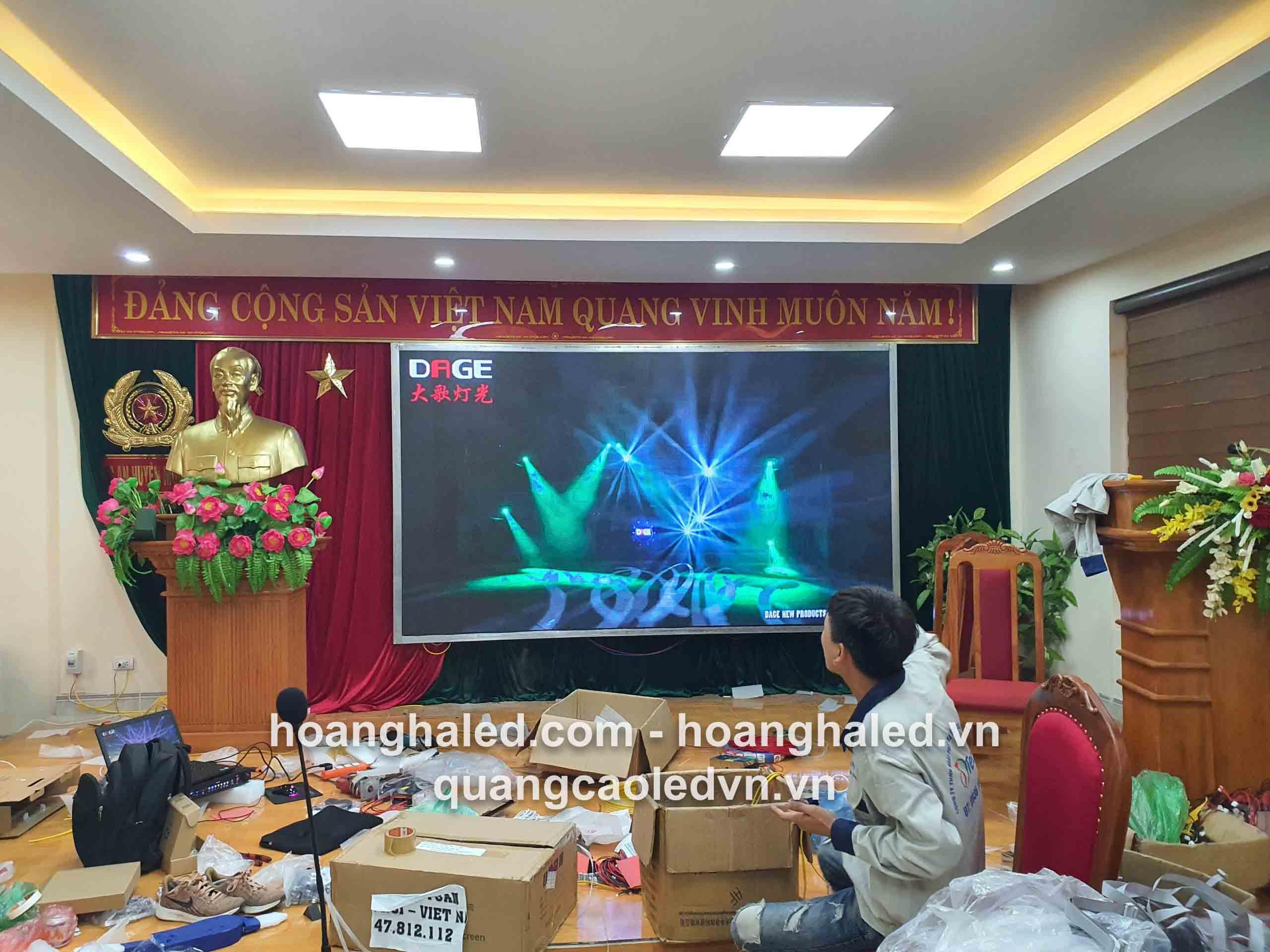 thi_cong_man_hinh_led_p3_tai_cong_an_muong_la_son_la3