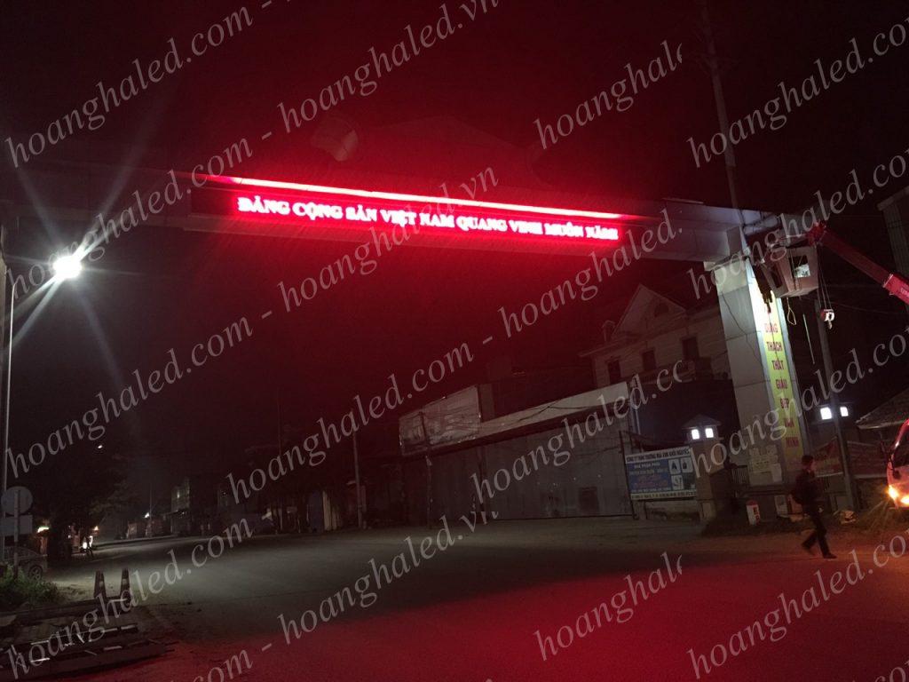 Bảng điện tử cổng chào Huyện Thạch Thất